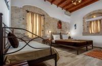 Cretan Villa hotel in Ierapetra. Triple room.